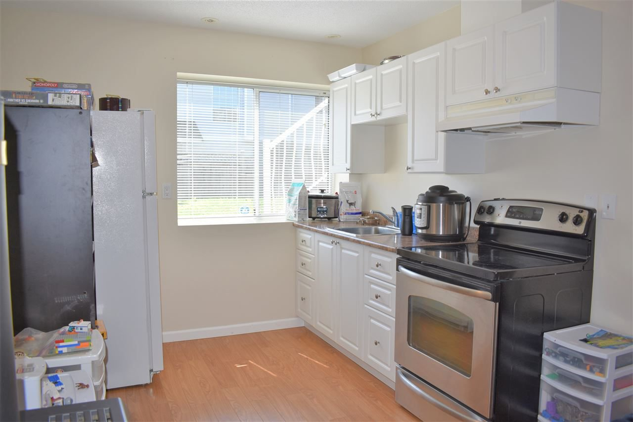 """Photo 13: Photos: 33524 KNIGHT Avenue in Mission: Mission BC House for sale in """"Hillside"""" : MLS®# R2265480"""