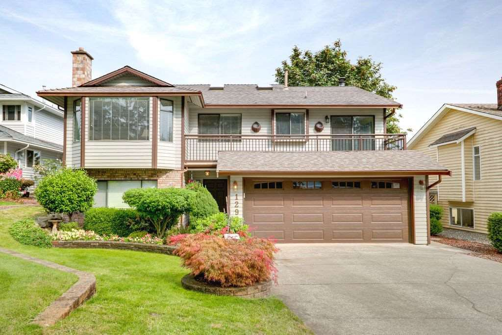 "Main Photo: 1293 DURANT Drive in Coquitlam: Scott Creek House for sale in ""SCOTT CREEK"" : MLS®# R2300937"