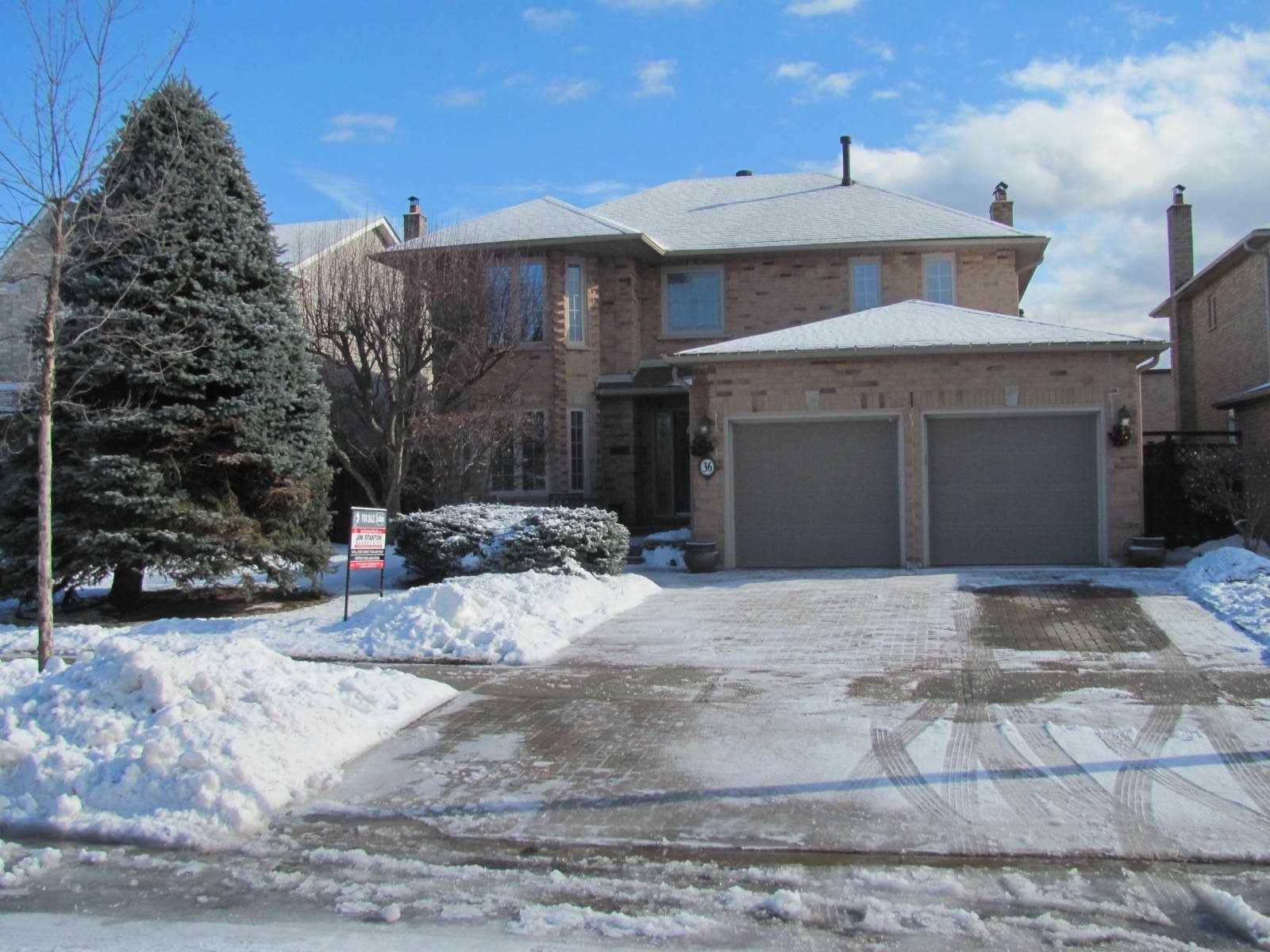 Main Photo: 36 Bentonwood Crescent in Whitby: Pringle Creek House (2-Storey) for sale : MLS®# E4325619