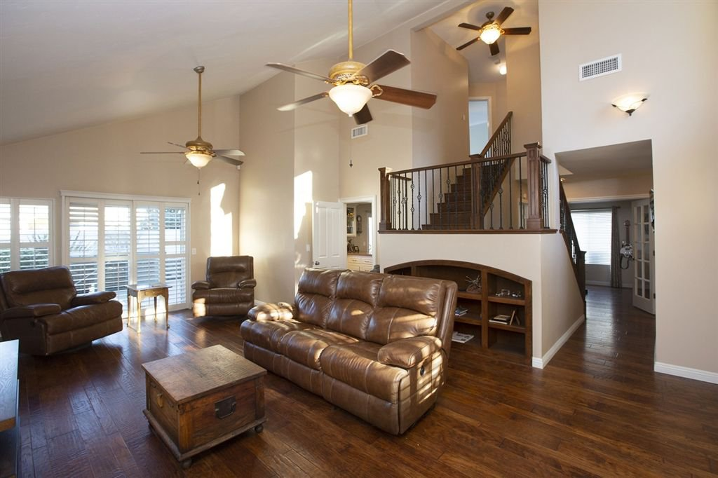 Main Photo: RANCHO SAN DIEGO House for sale : 4 bedrooms : 2517 Ridgeside Place in Spring Valley