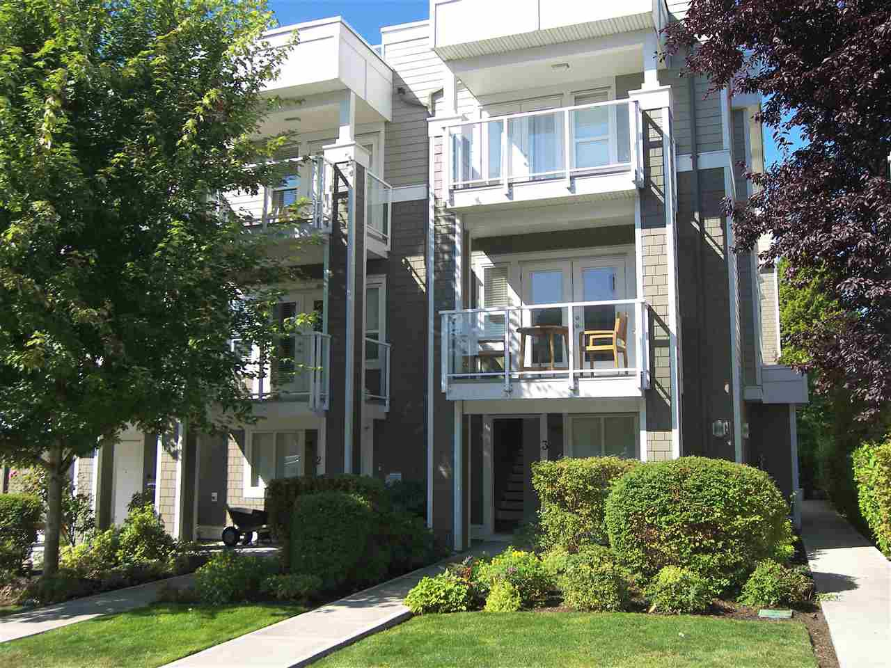 """Main Photo: 3 1321 FIR Street: White Rock Townhouse for sale in """"4 on Fir Street"""" (South Surrey White Rock)  : MLS®# R2480214"""