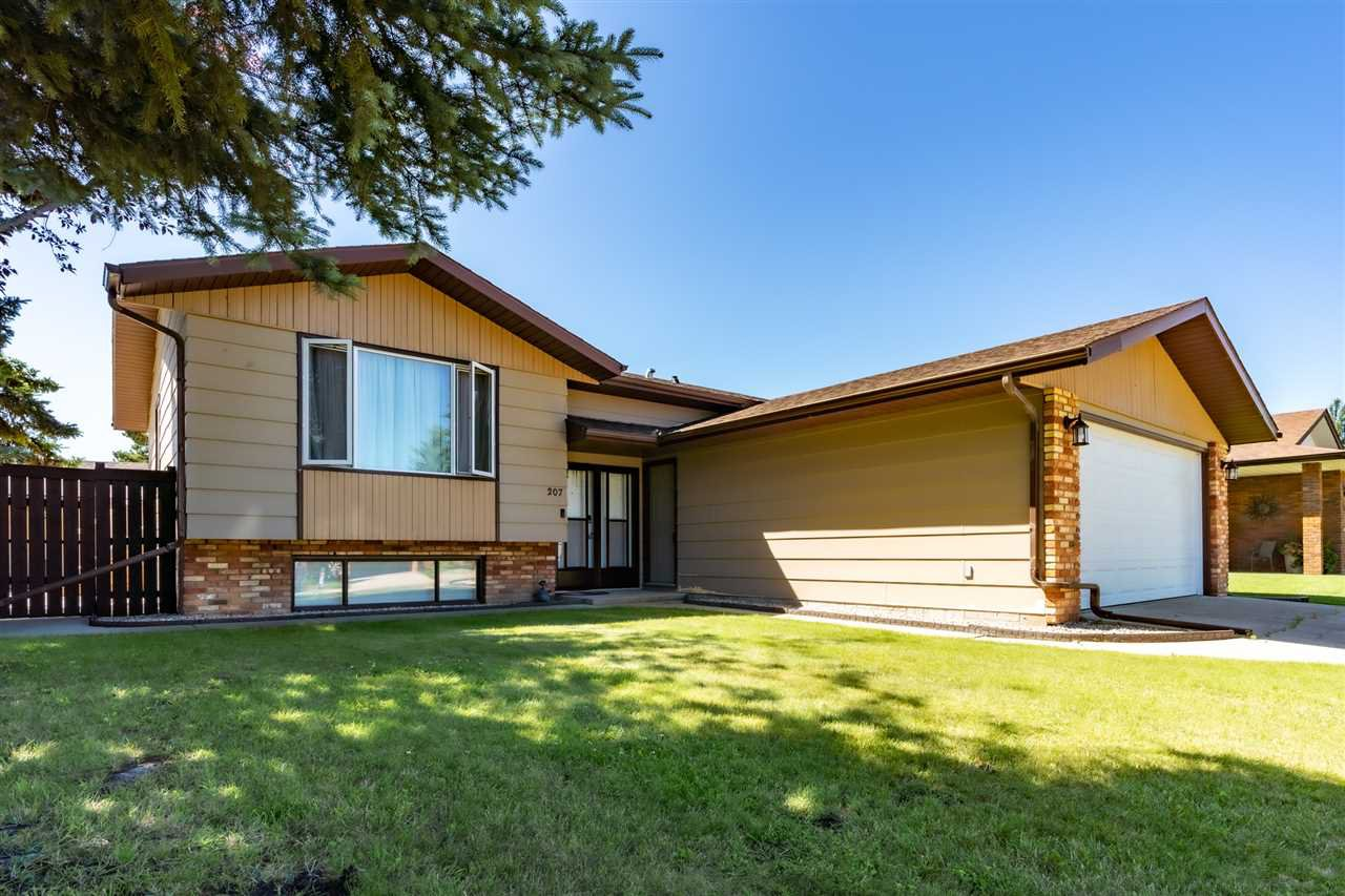 Main Photo: 207 Willow Crescent: Wetaskiwin House for sale : MLS®# E4207954