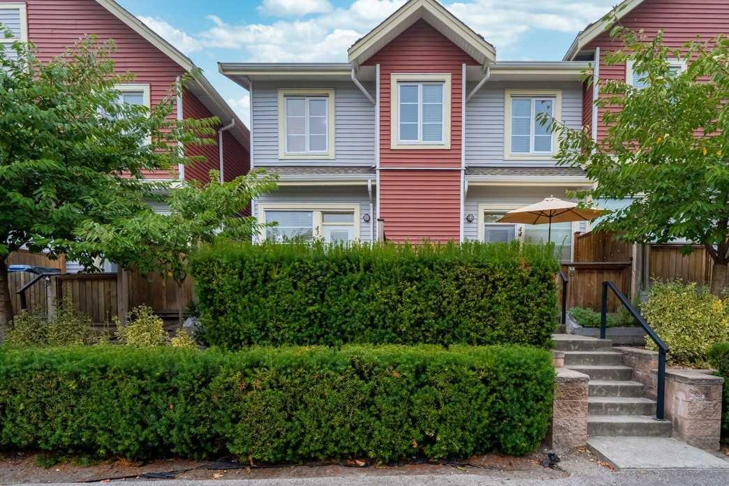 "Main Photo: 43 6945 185 Street in Surrey: Clayton Townhouse for sale in ""MACKENZIE ESTATES"" (Cloverdale)  : MLS®# R2498661"