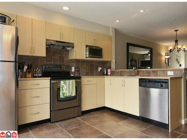"""Photo 2: Photos: 50 20761 DUNCAN Way in Langley: Langley City Townhouse for sale in """"Wyndham Lane"""" : MLS®# F1115526"""