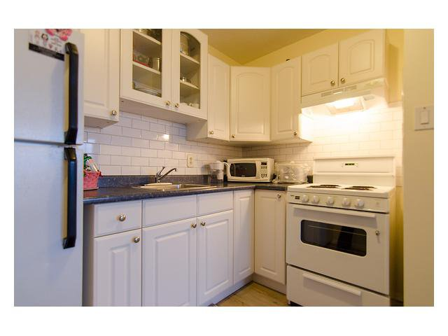 Main Photo: 301 320 Royal Avenue in New Westminster: Downtown NW Condo for sale : MLS®# V976352