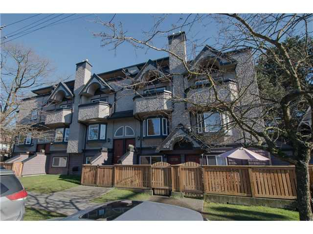 Main Photo: 2310 VINE Street in Vancouver: Kitsilano Townhouse for sale (Vancouver West)  : MLS®# V1045523