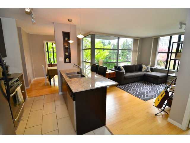 "Main Photo: 206 989 BEATTY Street in Vancouver: Yaletown Condo for sale in ""The Nova"" (Vancouver West)  : MLS®# V1046613"