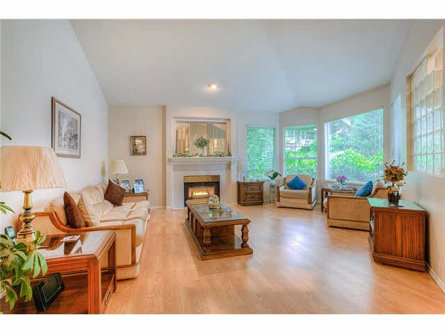 Photo 3: Photos: 69 101 PARKSIDE Drive in Port Moody: Heritage Mountain Townhouse for sale : MLS®# V1090670