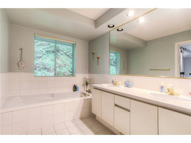 Photo 10: Photos: 69 101 PARKSIDE Drive in Port Moody: Heritage Mountain Townhouse for sale : MLS®# V1090670