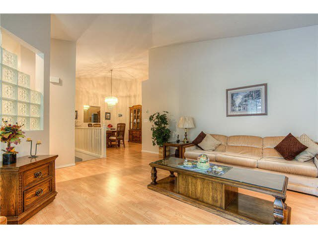 Photo 2: Photos: 69 101 PARKSIDE Drive in Port Moody: Heritage Mountain Townhouse for sale : MLS®# V1090670