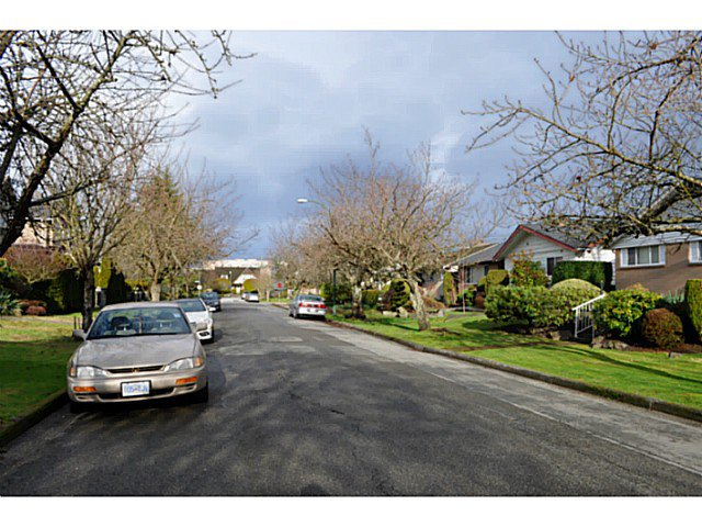 "Photo 4: Photos: 5962 FREMLIN Street in Vancouver: Oakridge VW House for sale in ""OAKRIDGE"" (Vancouver West)  : MLS®# V1100712"