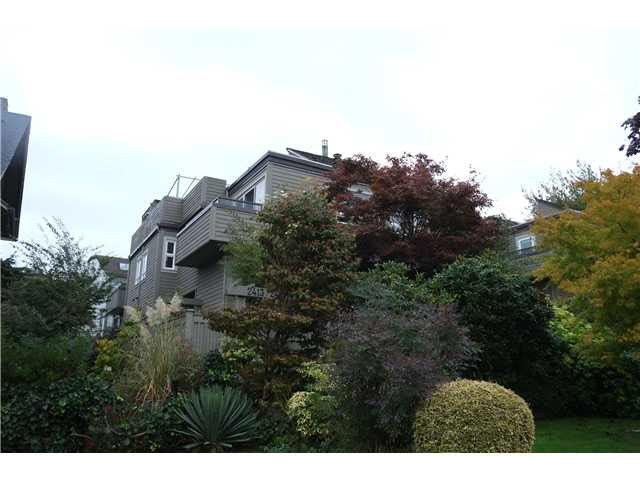 "Photo 9: Photos: 2411 W 5TH Avenue in Vancouver: Kitsilano Townhouse  in ""BALSAM CORNERS"" (Vancouver West)  : MLS®# V1100926"