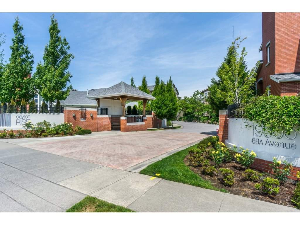 Main Photo: 98 19505 68A Avenue in Surrey: Clayton Townhouse for sale (Cloverdale)  : MLS®# R2075553