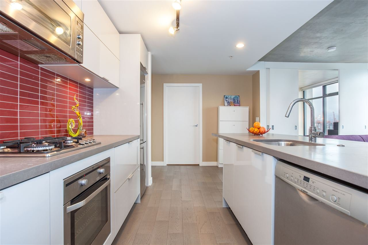 "Main Photo: 1203 108 W CORDOVA Street in Vancouver: Downtown VW Condo for sale in ""Woodward W32"" (Vancouver West)  : MLS®# R2111852"
