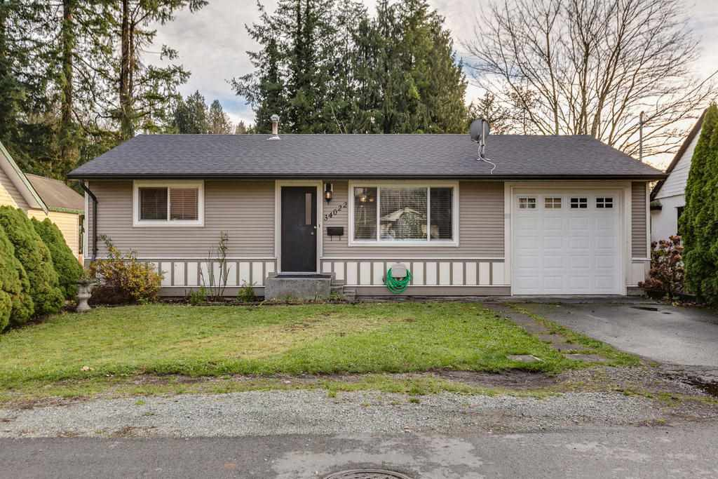 """Photo 3: Photos: 34022 MCCRIMMON Drive in Abbotsford: Central Abbotsford House for sale in """"Abbotsford East"""" : MLS®# R2122807"""