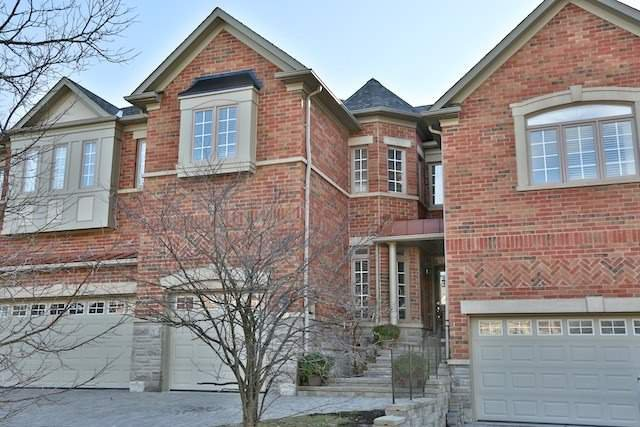 Main Photo: 76 Westbury Court in Richmond Hill: Westbrook House (2-Storey) for sale : MLS®# N3656251