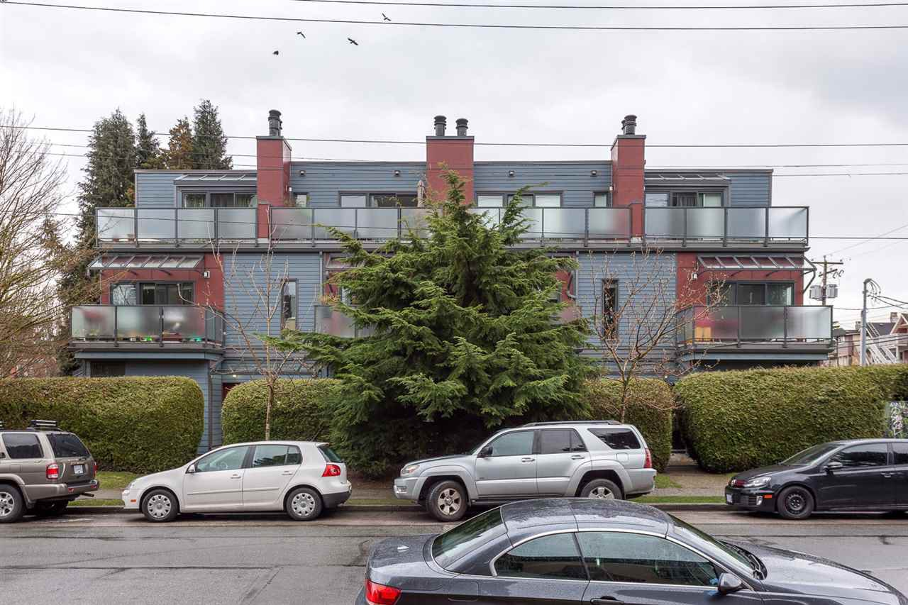Main Photo: 1612 MAPLE Street in Vancouver: Kitsilano Townhouse for sale (Vancouver West)  : MLS®# R2149926