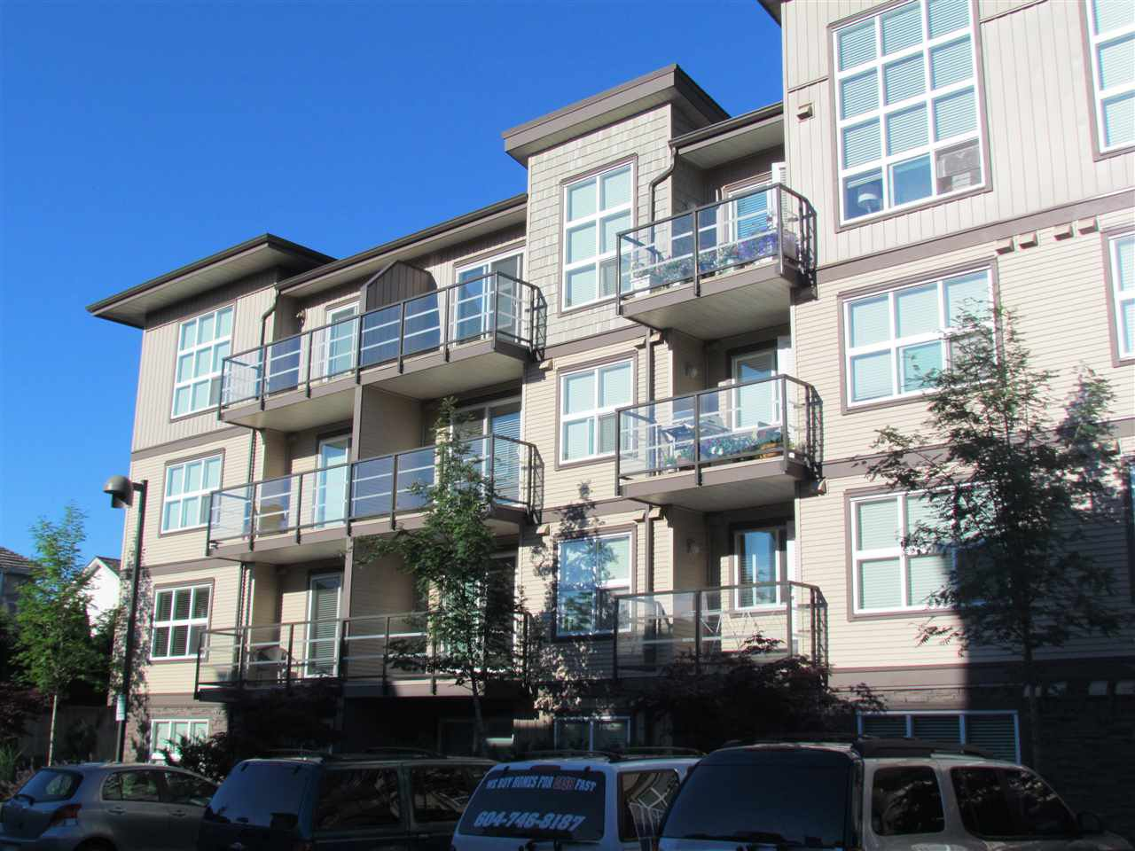 """Main Photo: 405 30525 CARDINAL Avenue in Abbotsford: Abbotsford West Condo for sale in """"Tamarind Westside"""" : MLS®# R2170805"""