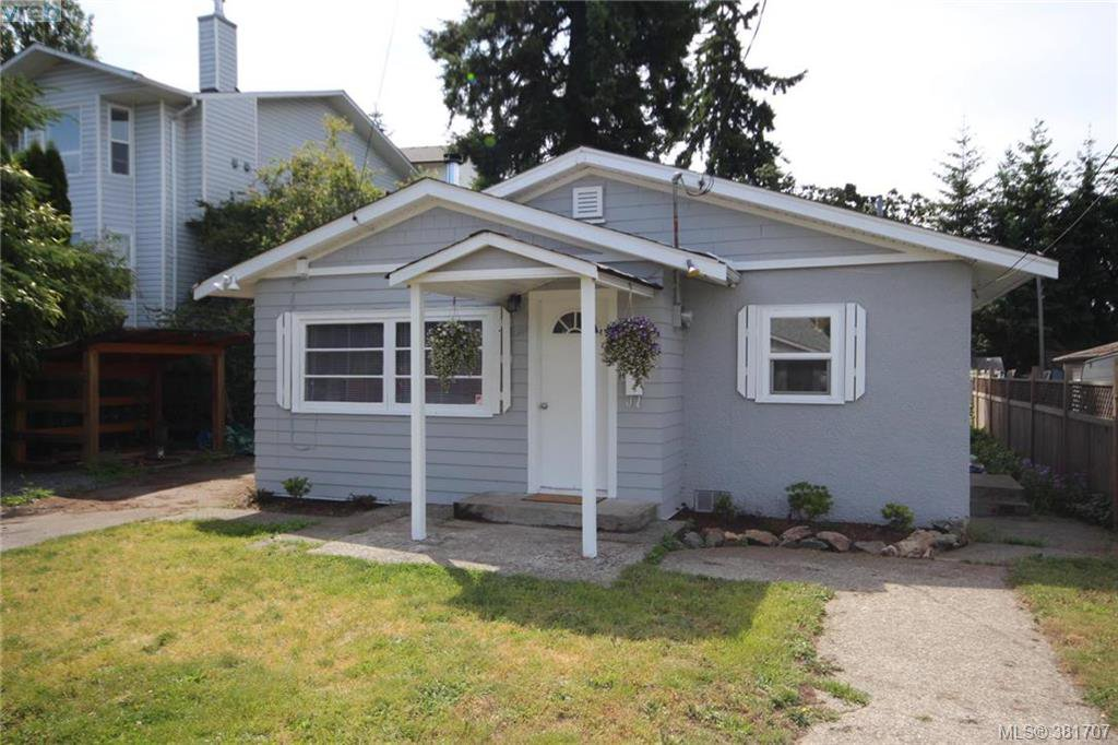 Main Photo: 631 Hoffman Ave in VICTORIA: La Mill Hill Single Family Detached for sale (Langford)  : MLS®# 766785