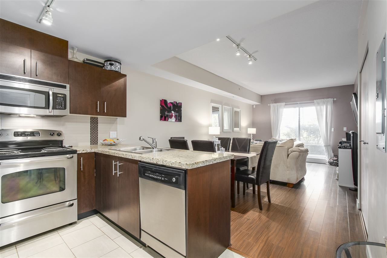 "Photo 9: Photos: 109 200 KEARY Street in New Westminster: Sapperton Condo for sale in ""The Anvil"" : MLS®# R2225667"