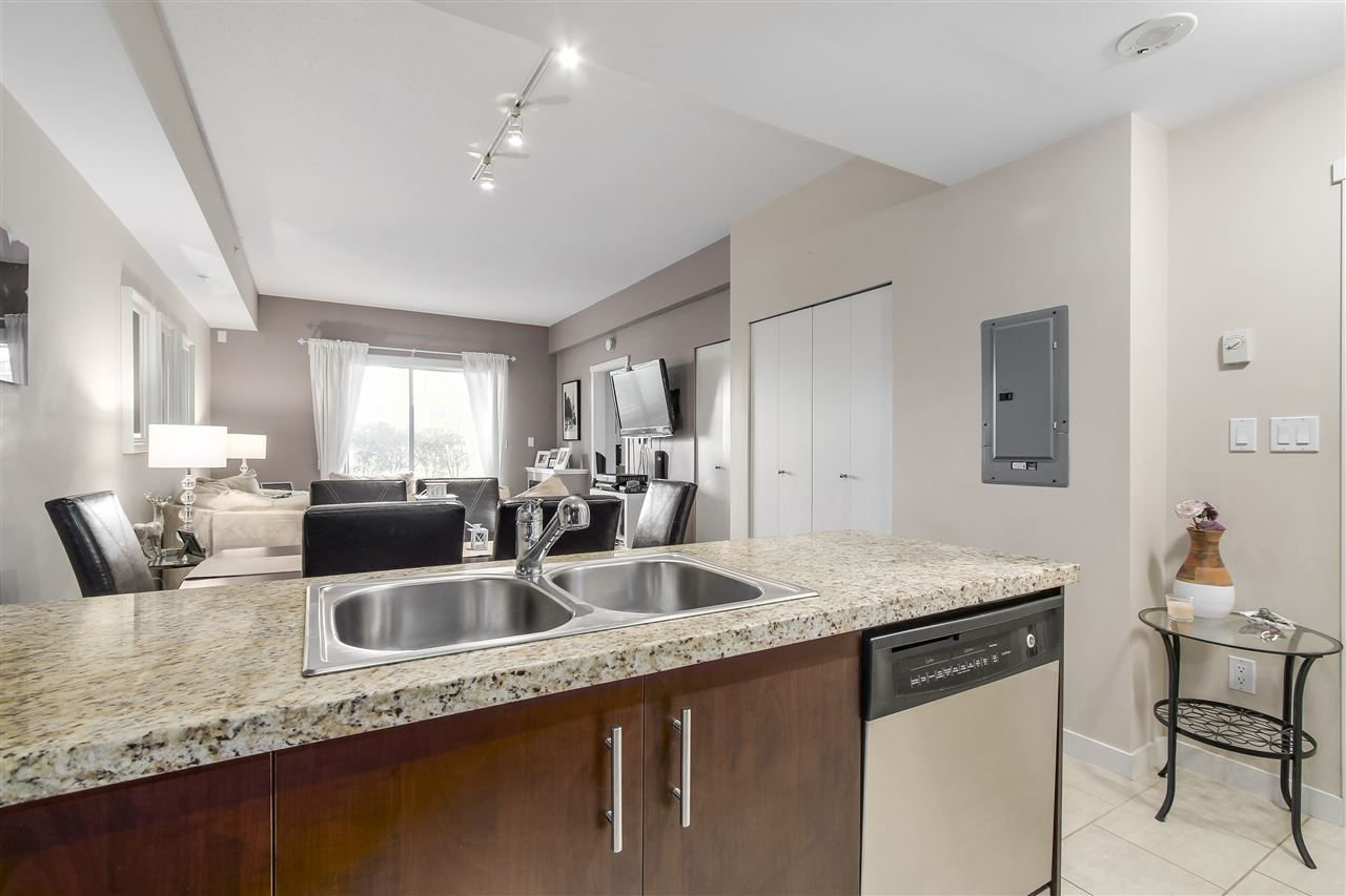 "Photo 8: Photos: 109 200 KEARY Street in New Westminster: Sapperton Condo for sale in ""The Anvil"" : MLS®# R2225667"