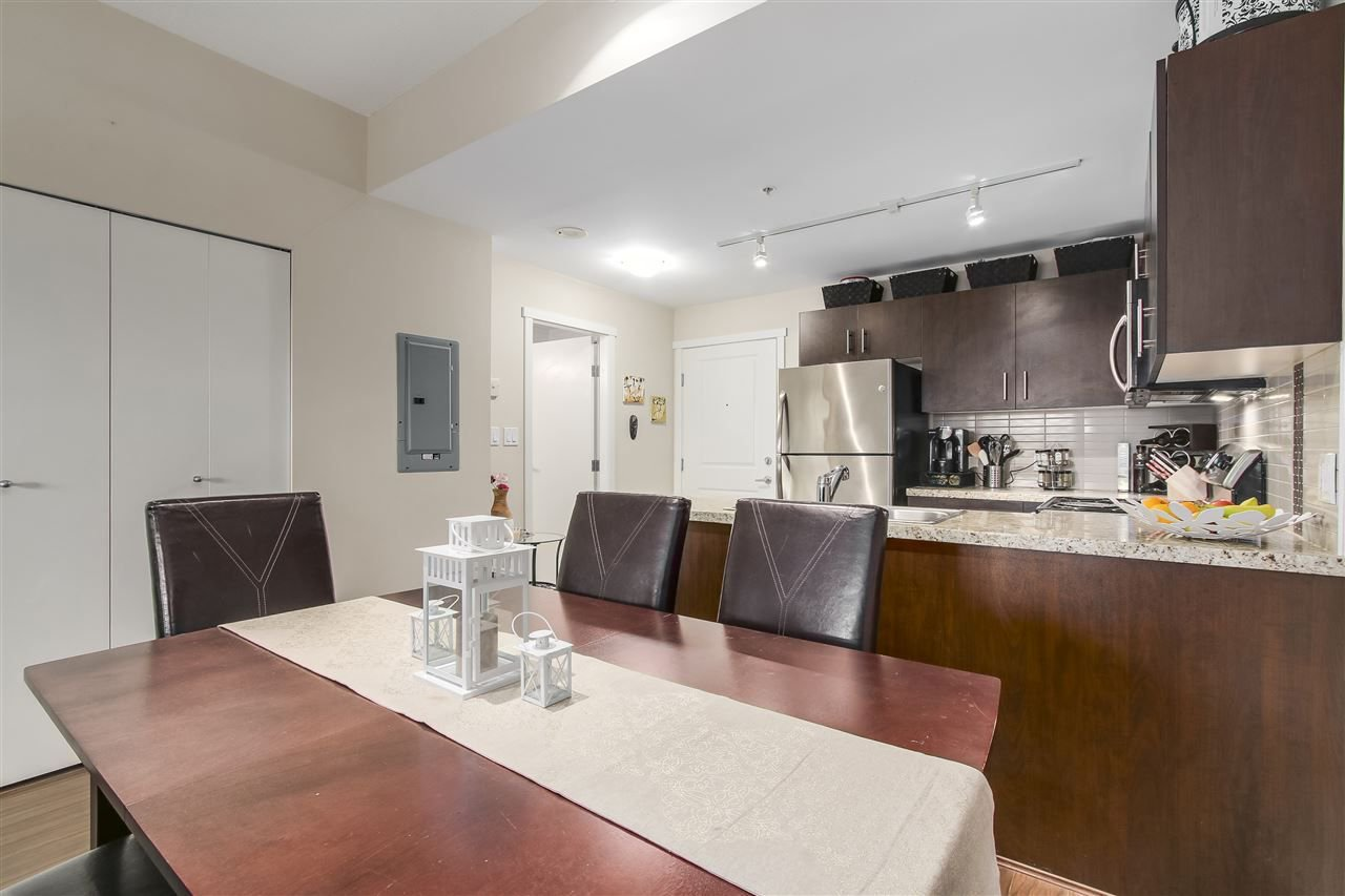 "Photo 5: Photos: 109 200 KEARY Street in New Westminster: Sapperton Condo for sale in ""The Anvil"" : MLS®# R2225667"