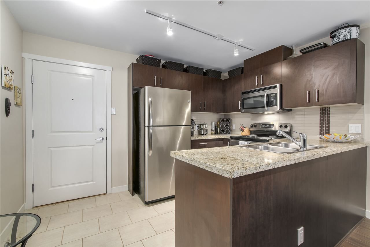 "Photo 7: Photos: 109 200 KEARY Street in New Westminster: Sapperton Condo for sale in ""The Anvil"" : MLS®# R2225667"