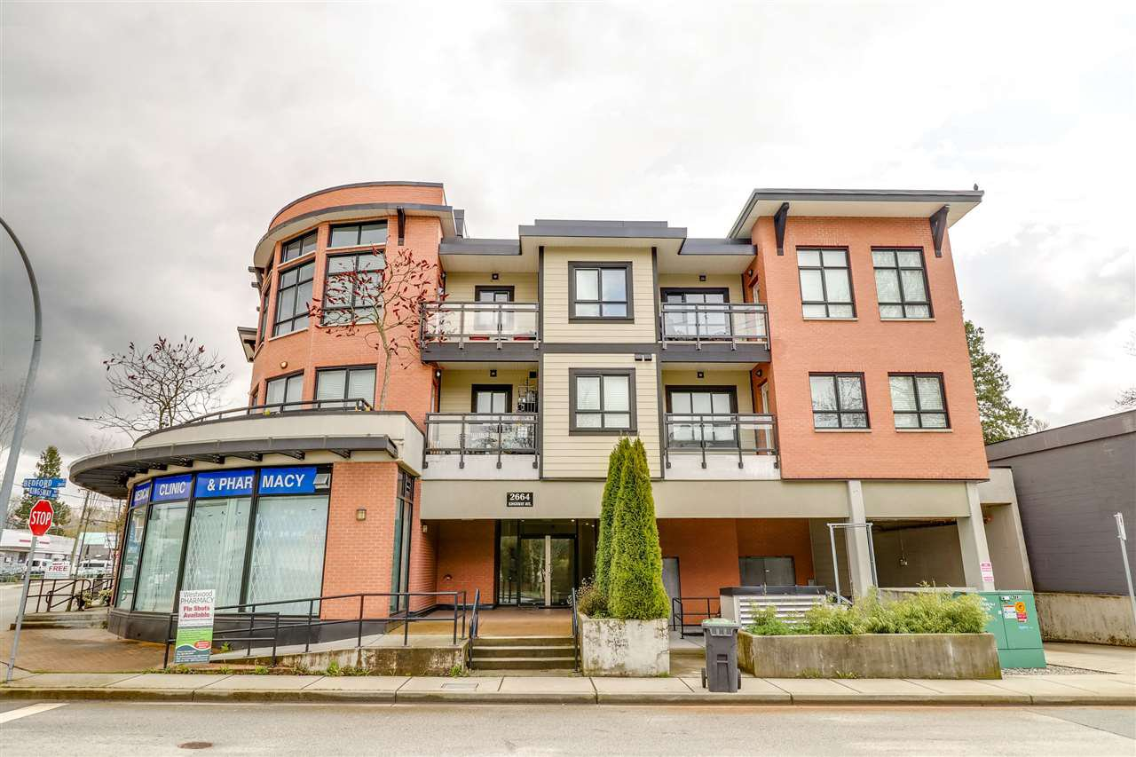 "Main Photo: 305 2664 KINGSWAY Avenue in Port Coquitlam: Central Pt Coquitlam Condo for sale in ""KINGSWAY GARDENS"" : MLS®# R2259972"