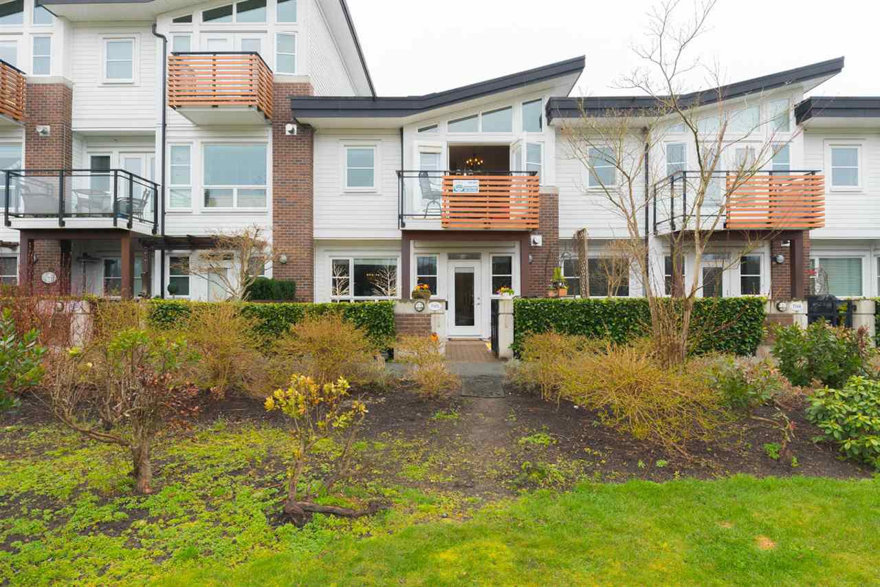 "Photo 2: Photos: 5 23215 BILLY BROWN Road in Langley: Fort Langley Townhouse for sale in ""WATERFRONT AT BEDFORD LANDING"" : MLS®# R2269680"