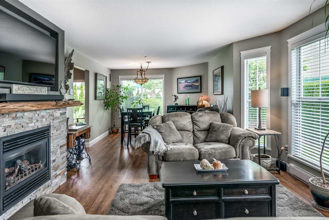 """Main Photo: 51 19060 FORD Road in Pitt Meadows: Central Meadows Townhouse for sale in """"REGENCY COURT"""" : MLS®# R2279740"""