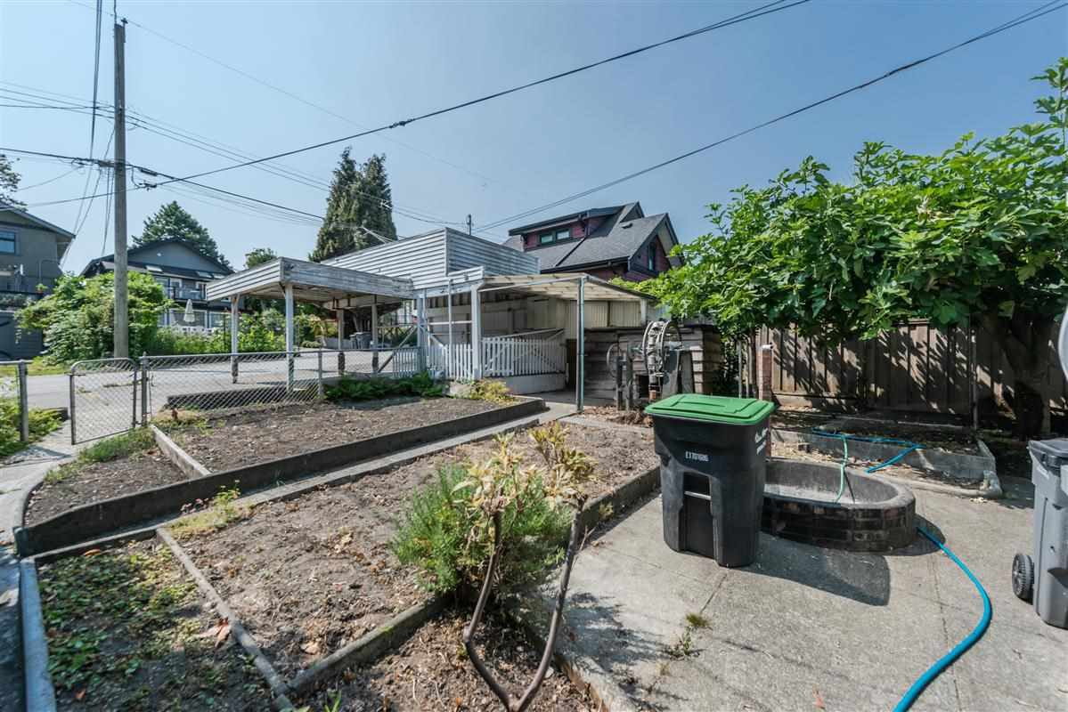 Photo 18: Photos: 2920 YALE Street in Vancouver: Hastings East House for sale (Vancouver East)  : MLS®# R2325830