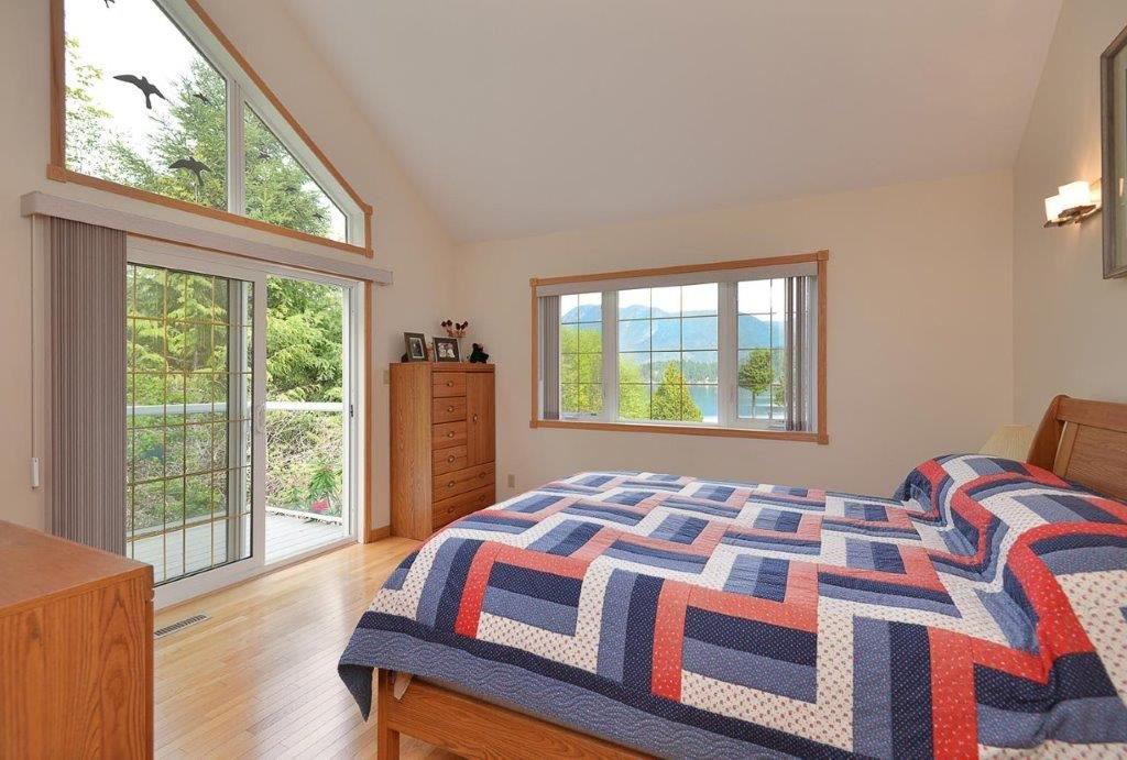 Photo 10: Photos: 6575 N GALE Avenue in Sechelt: Sechelt District House for sale (Sunshine Coast)  : MLS®# R2361659