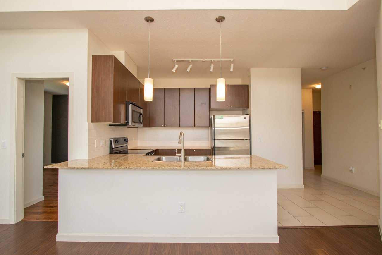 """Photo 16: Photos: 414 2477 KELLY Avenue in Port Coquitlam: Central Pt Coquitlam Condo for sale in """"SOUTH VERDE"""" : MLS®# R2363259"""