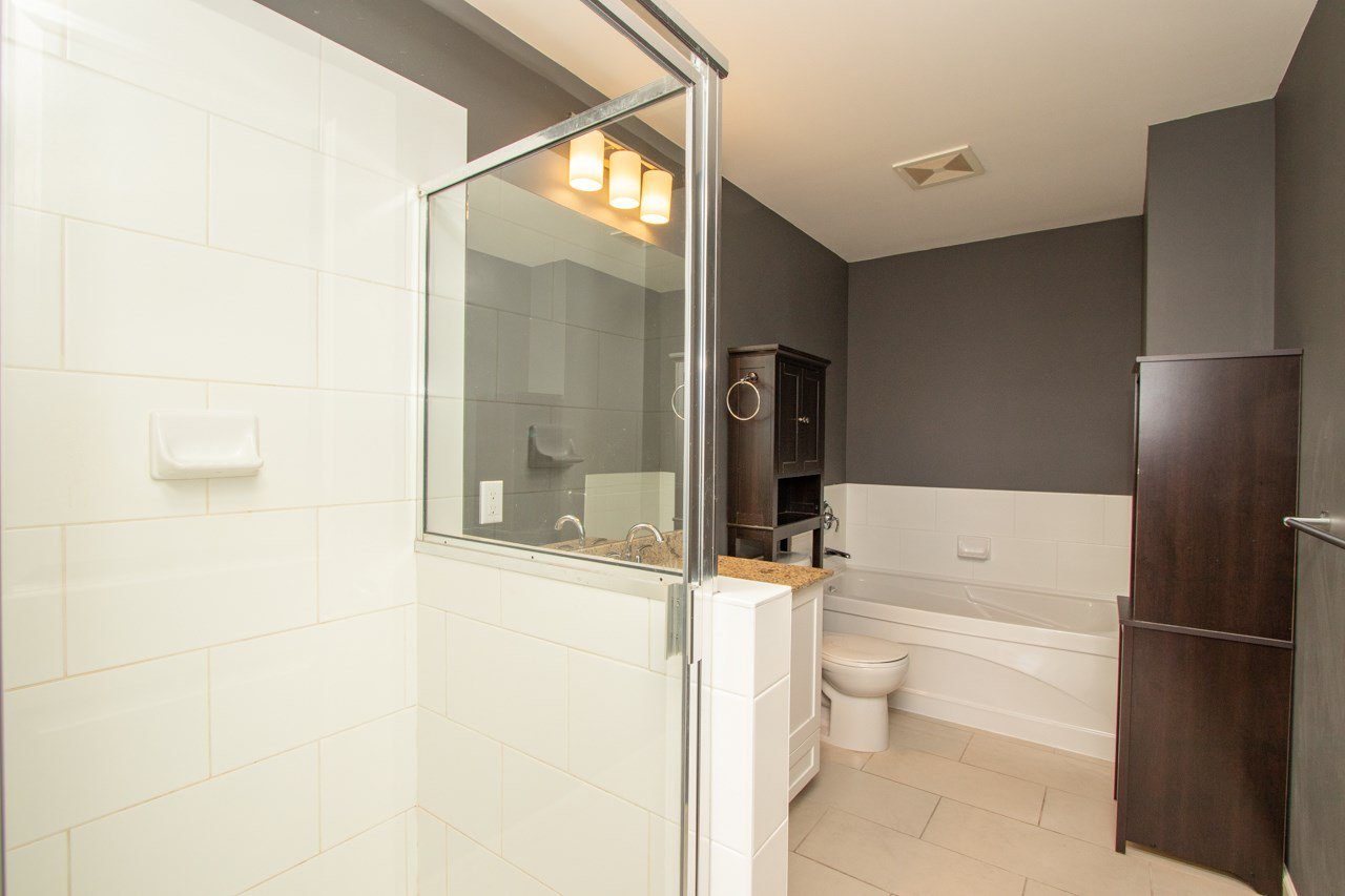 """Photo 10: Photos: 414 2477 KELLY Avenue in Port Coquitlam: Central Pt Coquitlam Condo for sale in """"SOUTH VERDE"""" : MLS®# R2363259"""