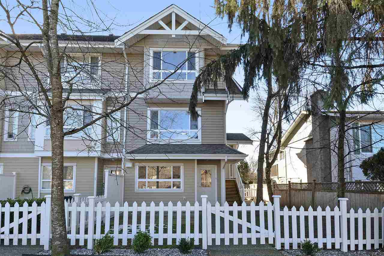 """Main Photo: 1 5255 201A Street in Langley: Langley City Townhouse for sale in """"Kensington Court"""" : MLS®# R2370666"""