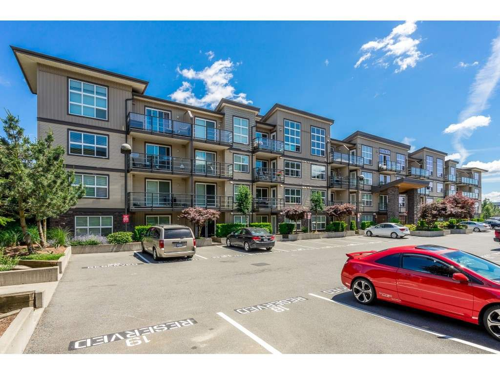 "Main Photo: 121 30525 CARDINAL Avenue in Abbotsford: Abbotsford West Condo for sale in ""Tamarind"" : MLS®# R2375752"