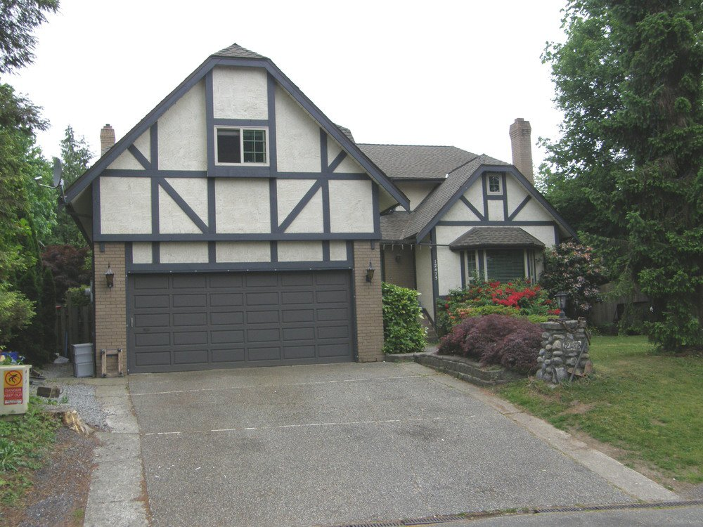 Main Photo: 12473 KLASSEN PLACE in MAPLE RIDGE: Home for sale : MLS®# R2053876