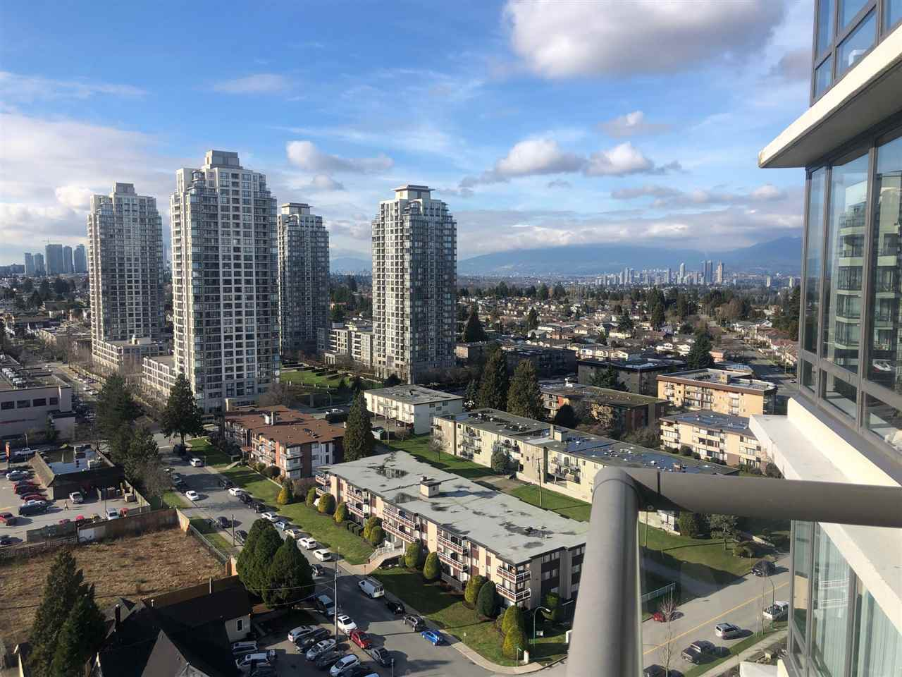 "Main Photo: 2206 7328 ARCOLA Street in Burnaby: Highgate Condo for sale in ""ESPRIT SOUTH"" (Burnaby South)  : MLS®# R2435579"