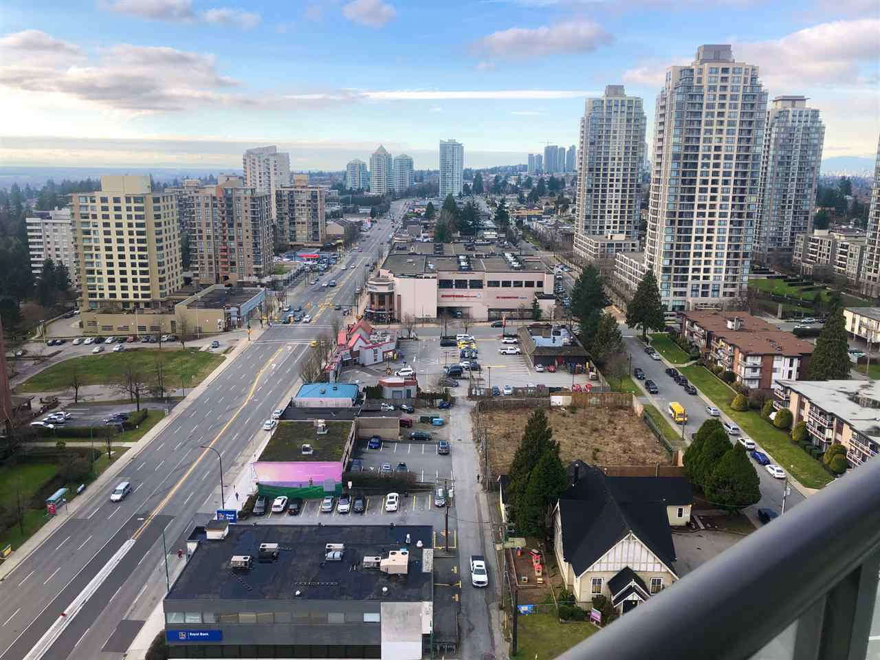 """Photo 16: Photos: 2206 7328 ARCOLA Street in Burnaby: Highgate Condo for sale in """"ESPRIT SOUTH"""" (Burnaby South)  : MLS®# R2435579"""