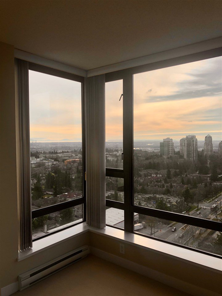 """Photo 13: Photos: 2206 7328 ARCOLA Street in Burnaby: Highgate Condo for sale in """"ESPRIT SOUTH"""" (Burnaby South)  : MLS®# R2435579"""