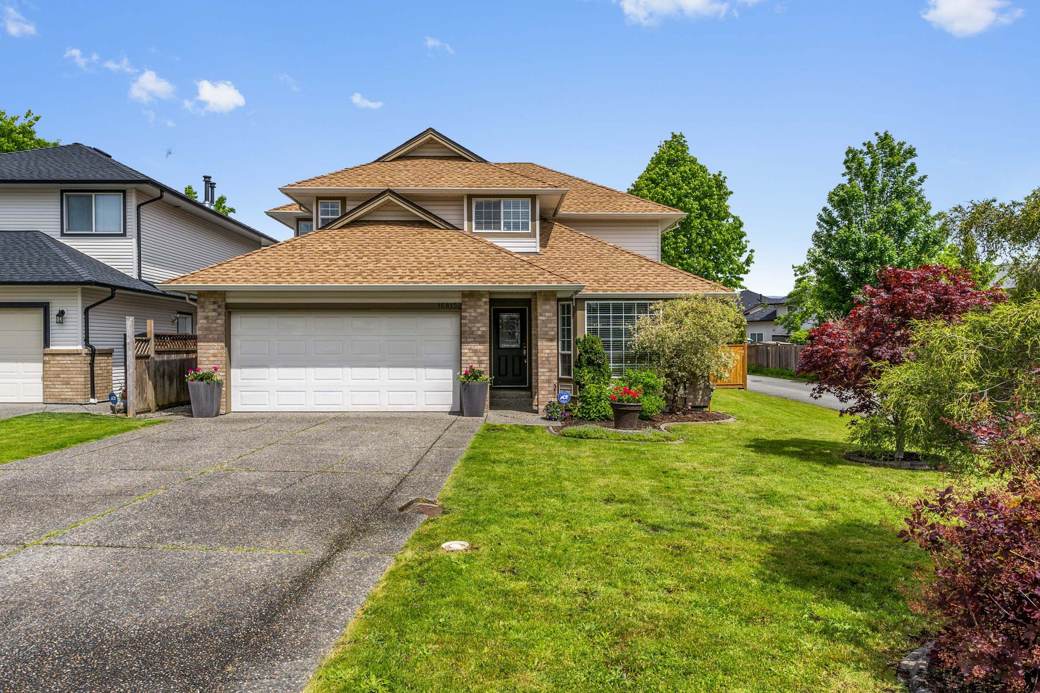 Main Photo: 16815 61 Avenue in Surrey: Cloverdale BC House for sale (Cloverdale)  : MLS®# R2457968