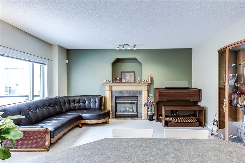 Main Photo: 142 WEST SPRINGS Place SW in Calgary: West Springs Detached for sale : MLS®# C4301282