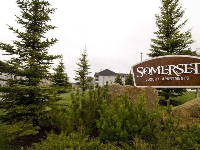 Main Photo: 211 3000 SOMERVALE Court SW in CALGARY: Somerset Condo for sale (Calgary)  : MLS®# C3477323