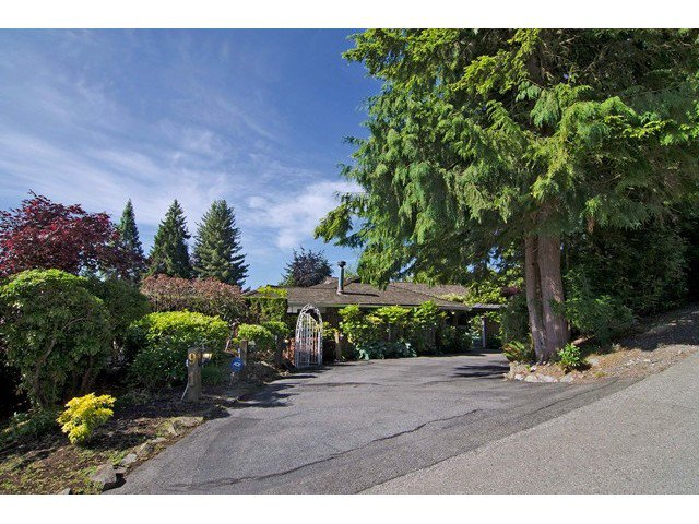 Main Photo: 91 BONNYMUIR Drive in West Vancouver: Glenmore House for sale : MLS®# V1127395