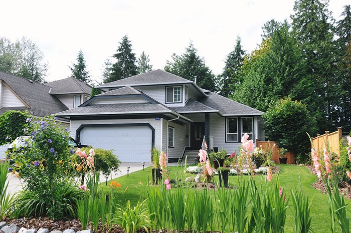 Main Photo: 20832 WICKLUND Avenue in Maple Ridge: Northwest Maple Ridge House for sale : MLS®# R2093654