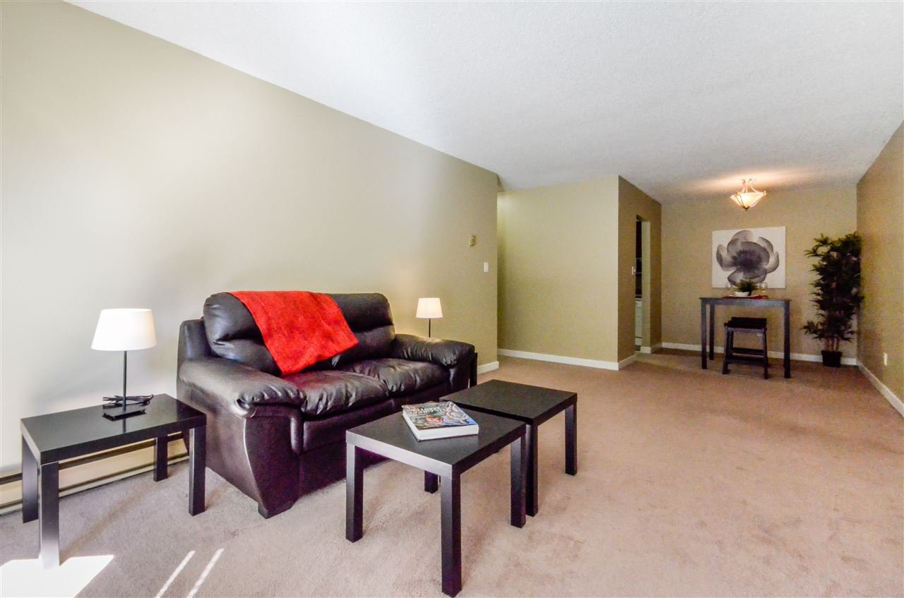 """Main Photo: 2 9584 MANCHESTER Drive in Burnaby: Cariboo Condo for sale in """"BROOKSIDE PARK"""" (Burnaby North)  : MLS®# R2104225"""