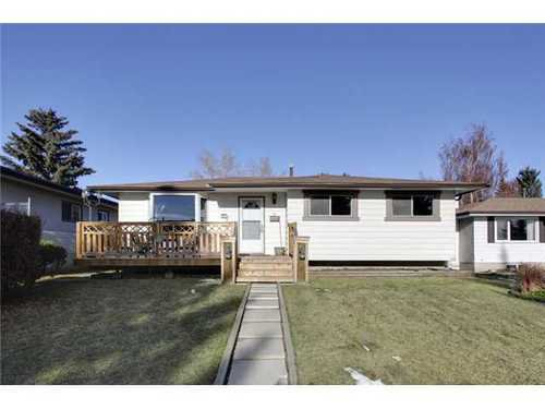 Main Photo: 4 HAULTAIN Place SW in Calgary: Bungalow for sale : MLS®# C3545547