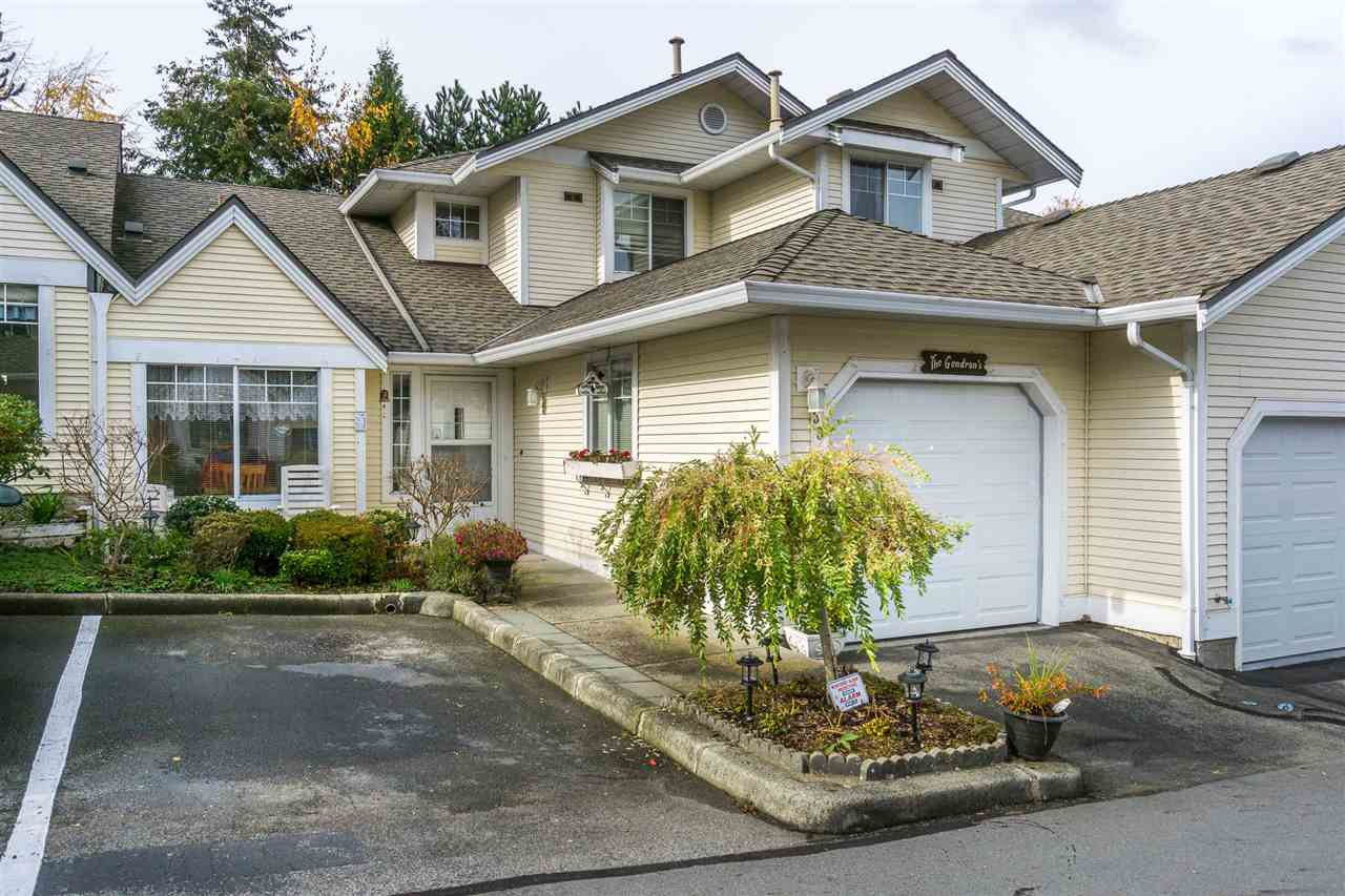 """Main Photo: 30 8737 212 Street in Langley: Walnut Grove Townhouse for sale in """"Chartwell Green"""" : MLS®# R2142745"""