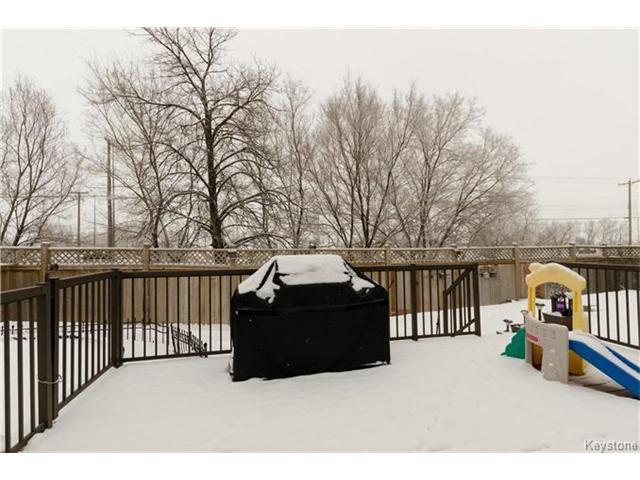 Photo 18: Photos: 151 St Moritz Road in Winnipeg: All Season Estates Residential for sale (3H)  : MLS®# 1704693