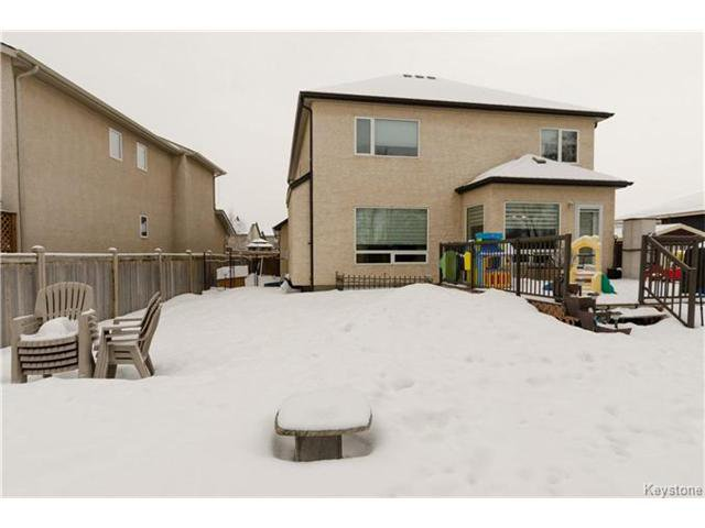 Photo 19: Photos: 151 St Moritz Road in Winnipeg: All Season Estates Residential for sale (3H)  : MLS®# 1704693